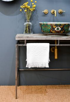 2017 Interior Design Trends Home Decor Trend Report - Moderated Industrial via T. 2017 Interior Design Trends Home Decor Trend Report - Moderated Industrial via The London Basin Company Interior Design Trends, Bathroom Interior Design, Home Decor Trends, Home Design, Design Ideas, 2017 Design, Interior Styling, Vintage Industrial Decor, Industrial House