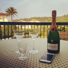 #Bolly makes things perfect! #SummerLove #Antibes #CoteD'Azure #Bollinger