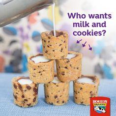 Milk and cookie shots! Baking Recipes, Snack Recipes, Dessert Recipes, Snacks, Fun Desserts, Delicious Desserts, Yummy Food, Yummy Treats, Sweet Treats