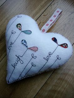 Supercutetilly: Felt Heart