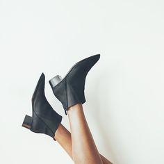 Pinned from Laetitia et son dressing | Acne Studios Jensen Boots | Source: aesthetic-li