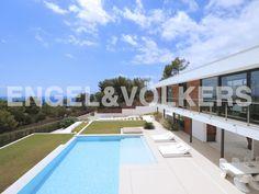 NUEVA PROPIEDAD DE LA SEMANA: Villa moderna con vistas al mar en zona magnifica #Ibiza