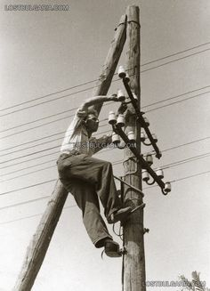 Worker maintenance of the grid   1930s Bulgaria