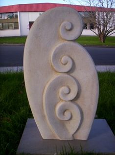 Modern yard art - perfect for our yard, but factory is too far away. Concrete Sculpture, Rock Sculpture, Abstract Sculpture, Sculpture Ideas, Foam Carving, Stone Carving, Art Studio Storage, Nz Art, Organic Art