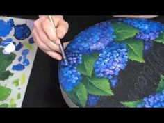Join Patricia Rawlinson as she shows you how to prep and paint a stepping stone that will last for years in your garden! Artist Patricia Rawlinson is a decor. Painted Stepping Stones, Painted Pavers, Painted Rocks, Acrylic Painting Tutorials, Painting Videos, Painting Patterns, Tole Painting, Fabric Painting, Painting On Wood