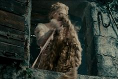 "The New ""Into The Woods"" Trailer Finally Features Singing"