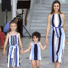 Vestir a juego con los peques iguales mamá y niña #minime #modainfantil #familia #comomama #momlife #mamá #madre #madreehija Twins, Kids Fashion, Jumpsuit, Mom, Dresses, Girls Dresses, Game, Spring Summer, Meet