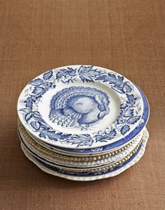 For more than 100 years, this English transferware graced the finest Thanksgiving tables. Country Living takes a look at these turkey-theme plates. Thanksgiving Dinnerware, Vintage Thanksgiving, Red Dinnerware, Vintage Dinnerware, Turkey Plates, Turkey Dishes, Blue And White China, Blue China, China China