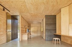 Reconnect with nature in this gorgeous retreat built for slow living Balnarring Retreat by Branch Studio Architects – Inhabitat - Green Design, Innovation, Architecture, Green Building Ideas Cabaña, Decor Ideas, Room Ideas, Concertina Doors, Pin Maritime, Haus Am See, Journal Du Design, Rammed Earth, Small Buildings