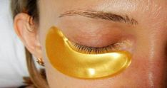 How to make a yellow carbonate mask for under-eye bags Amazing result for under-eye bags Carbonate – irreplaceable, effective for beauty … Pele Natural, Natural Skin, Body Makeup, Eye Makeup Tips, Skin Care Regimen, Skin Care Tips, Dark Circles Makeup, Get Rid Of Warts, Daily Beauty Routine