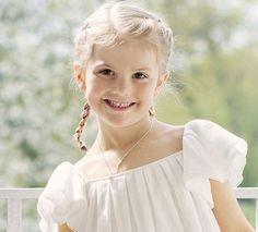New photos of Princess Estelle and Prince Oscar