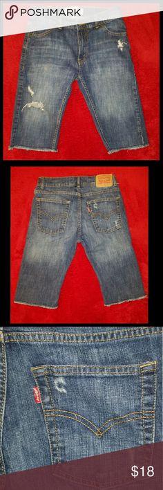 Boys destroyed Levi's 511 slim shorts Boys like new Levi's destroyed look 5 pocket shorts. size 16 waist 28 Levi's 511 slim Levi's Bottoms Shorts