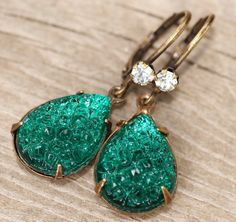 RARE Vintage Emerald Green Sugar Stone Earring,Vintage Mountain Top Glass Jewel,Emerald Green Rhinestone Earrings,Dangle,Pear,Teardrop,Retro by hangingbyathread1 on Etsy