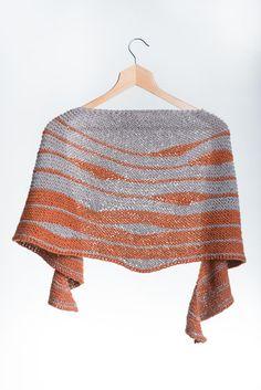 Hand Knit Striped Shawl di AtelierBusas su Etsy
