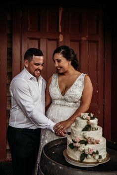 Rustic Wedding Cake | Kumeu Valley Estate | Auckland Wedding | Katrina Cooke Photography #weddingcake #rusticcake #rusticwedding Amazing Wedding Cakes, Rustic Cake, Rustic Wedding, Wedding Dresses, Photography, Fashion, Bride Dresses, Moda, Photograph