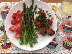 Kotleciki z kalafiora Asparagus, Vegetables, Drink, Food, Diet, Studs, Beverage, Essen, Vegetable Recipes