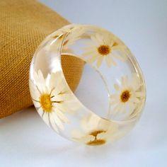 Daisy Resin Bangle.  Pressed Daisies Bracelet.  Real Flowers - Pressed Daisies.  Handmade Resin Jewelry via Etsy