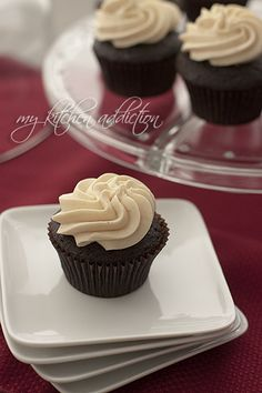 Kahlua Spiked Mexican Chocolate Cupcakes – my kitchen addiction Cupcake Flavors, Cupcake Recipes, Cupcake Cakes, Dessert Recipes, Rose Cupcake, Picnic Recipes, Cupcake Toppers, Just Desserts, Delicious Desserts