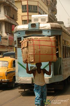 Photo - Heavy Load and Tram - Kolkata, India Bangkok Travel, Vietnam Travel, India Travel, Ancient Greek Architecture, Gothic Architecture, Amazing India, India People, Grand Mosque, West Bengal