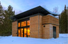 If you think that prefab homes have limited options, you are slightly wrong, because this house can be easily customized. You can choose prefab home. very small prefab houses. small prefab homes. Prefab Cabins, Prefab Homes, Modular Homes, Cabin Design, Tiny House Design, Roof Design, Cabins In Wisconsin, Bayfield Wisconsin, Butterfly Roof