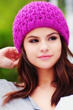 (plural Selenators) (slang) [[A fan of American actress and singer]] Selena Gomez. Selena Gomez Sister, Selena Gomez Age, Selena Gomz, Selena Gomez Fotos, Selena Gomez With Fans, Selena Gomez Pictures, Selena Gomez Style, Alex Russo, Barney & Friends