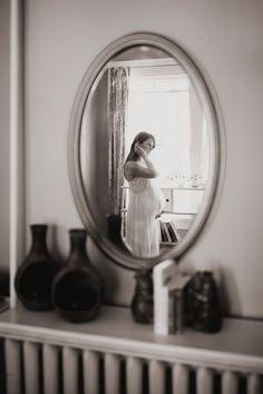 wonderful use of a mirror | Joyeuse Photography