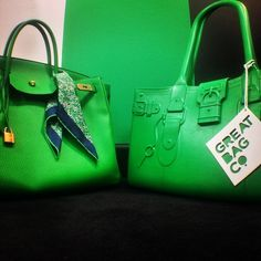 Meeting a long, lost relative face-to-face. -- #birkinbag #modelm #greatbag #fashion #chic #love #greatlife #Green #GreatBagCo #Emerald