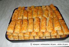 Sajtos stangli - egyszerű, omlós Croatian Recipes, Hungarian Recipes, Pastry Recipes, Cookie Recipes, 17 Kpop, Savory Pastry, Czech Recipes, Salty Snacks, Bread And Pastries