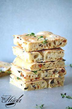 Focaccia con tomate y aceitunas - Las mejores recetas de Huga Pan Bread, Bread Baking, Olives, Cooking Time, Cooking Recipes, Pan Dulce, Empanadas, Sin Gluten, Cookies