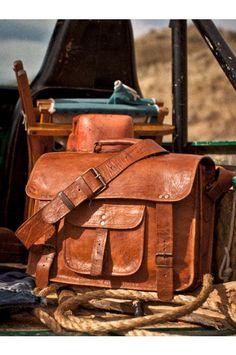 Men's Laptop Camel Leather Messenger Bag - Briefcase