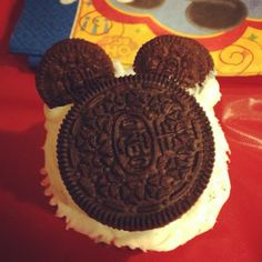 Mickey Mouse oreo cupcakes
