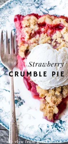 Strawberry Crumble Pie ~ This one is fruity, juicy, and berrylicious. #strawberries #strawberry #pie #crumble #homemade #dessert #berries #strawberrydessert #easy #best #recipe