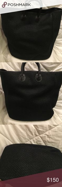 Authentic Vintage Bottega Veneta Tote Black linen/straw like material with black leather trim.  Inside lining appears to be water resistant and has zippered pocket.  Large enough to fit laptop. Perfect condition Bottega Veneta Bags Totes