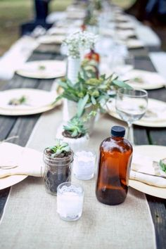 Eco-Friendly Wedding At Nashville's Sam Davis Home With Vintage Boho Flair | Photograph by (once like a spark) Photography  http://storyboardwedding.com/eco-friendly-wedding-nashville-sam-davis-home-vintage-boho/