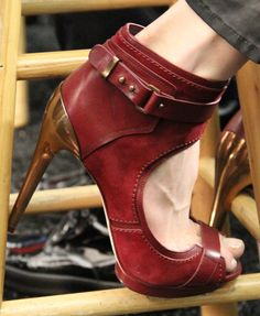Max Azria Fall 2012 runway shoes