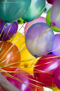 """Colorful, BALLOONS, always say, """"happy fun"""", about to happen. Get Balloons~ Bubble Balloons, Bubbles, Rainbow Balloons, Pink Balloons, Color Splash, Color Pop, Birthday Wishes, Happy Birthday, Birthday Sentiments"""