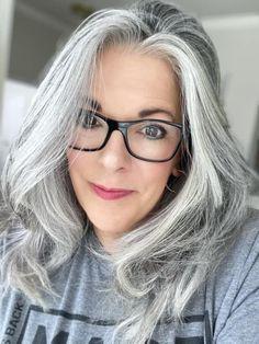Gray Hair Growing Out, Grow Hair, Grey Hair And Glasses, Grey Hair Looks, Grey Hair Styles For Women, Grey Hair Transformation, Gray Balayage, Grey Hair Don't Care, Bob Haircuts For Women