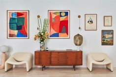Soho Loft, Elsa Hosk, Colourful Living Room, Soho House, Built In Bookcase, Contemporary Home Decor, Bedroom Loft, Living Room Designs, Room Decor