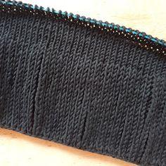 Knitting Needles, Free Knitting, Knitting Patterns, Easy Knitting Projects, Knitting For Beginners, Knitting Ideas, Woven Wrap, Sock Yarn, Garter Stitch