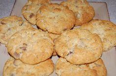 Granny's Weet-Bix Biscuits - Best Recipes - A sweet, crunchy biscuit that's always popular. Gourmet Recipes, Sweet Recipes, Baking Recipes, Cookie Recipes, Baking Ideas, Biscuit Cookies, Biscuit Recipe, Giant Cookies, Cookie Cakes