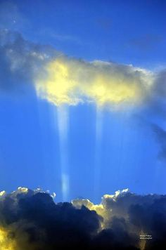 Beautiful.. Two sun rays..