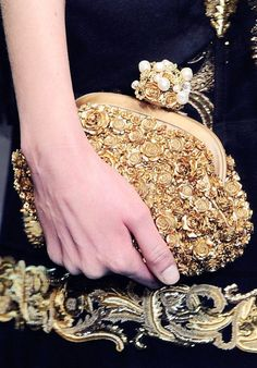 Dolce & Gabbana Autumn 2012 Evening Bags & Clutches is a good match with all the dresses. Fall Handbags, Luxury Handbags, Purses And Handbags, Stylish Handbags, Designer Handbags, Dusty Blue, Fashion Bags, Fashion Accessories, Couture Accessories