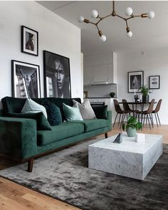 Modernes Wohnzimmer - New Ideas room Modern Living room Neutral and classic living room with a green sofa to add decor style room decor Scandi Living Room, Classic Living Room, Living Room Green, Cozy Living Rooms, Home And Living, Modern Living, Apartment Living, Small Living, Living Room Lamps