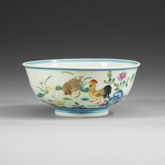 'FAMILLE ROSE' CHICKEN BOWL, QING DYNASTY (1644-1912), WITH QIANLONG SEAL MARK.