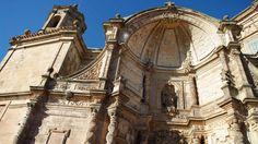 Portada barroca de la Basílica de San Gregorio Ostiense, Sorlada. Una de las maravillas de Navarra,  uno de los conjuntos más sobresalientes del Barroco navarro.