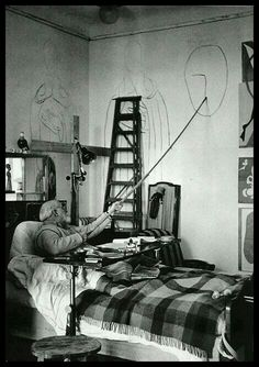 Matisse painting from his sickbed