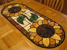 glass Sunflower stainglass pattern information Table Runner And Placemats, Table Runner Pattern, Quilted Table Runners, Stained Glass Quilt, Stained Glass Patterns, Quilt Block Patterns, Quilt Blocks, Hexagon Quilt, Sunflower Quilts