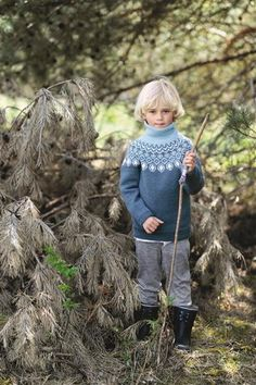 boys kids icelandic turtleneck sweater, photo from sandnesgarn knitting pattern, fuzzy fluffy childs childrens nordic Boys Sweaters, Winter Sweaters, Knitting For Kids, Baby Knitting, Baby Barn, Icelandic Sweaters, Winter Gear, Inspiration For Kids, Baby & Toddler Clothing