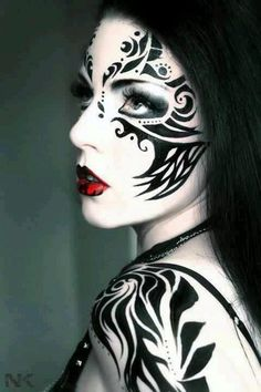 40 magnificent tribal art examples around the world - bored art face tattoo Makeup Gothic, Fantasy Makeup, Woman Painting, Body Painting, Art Visage, Extreme Makeup, Theatrical Makeup, Make Up Art, Special Effects Makeup
