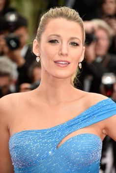Pin for Later: You Can Tell This Is Blake Lively's Favorite Cannes Gown Just From the Way She's Working It Blake Looked Flawless For Close-Ups of Her Drop Earrings